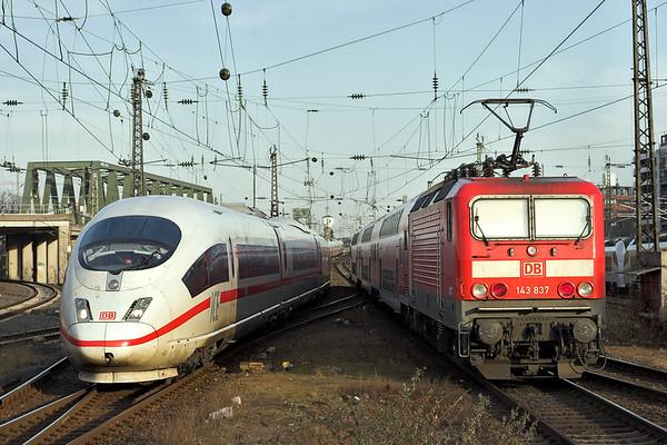 403022 and 143837, Köln Messe/Deutz 6/3/2013 403022: ICE106 1313 Basel SBB-Dortmund Hbf 143837: RB12527 1603 Mönchengladbach Hbf-Koblenz Hbf
