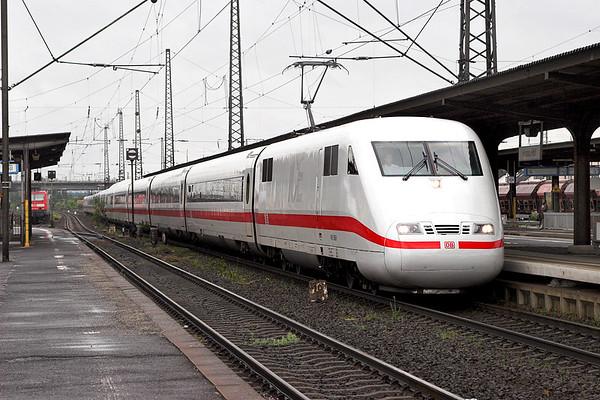 401068 Hanau Hbf 20/5/2006 ICE28 0830 Wien Westbahnhof-Hamburg Altona