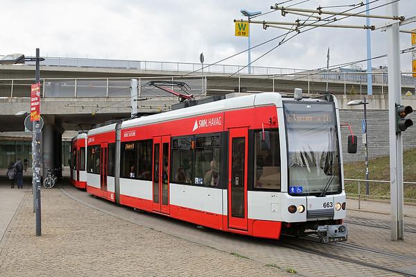 663 and 664, Hauptbahnhof 19/9/2017