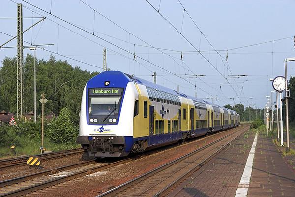 146509 (On rear), Winsen (Luhe) 6/6/2007 ME80962 1900 Uelzen-Hamburg Hbf