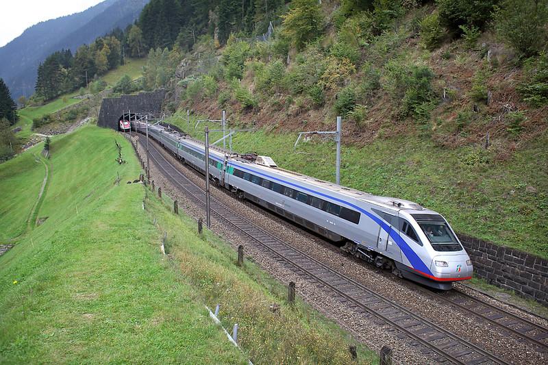 470006 Wassen 30/9/2014<br /> EC314 1025 Milano Centrale-Zürich HB