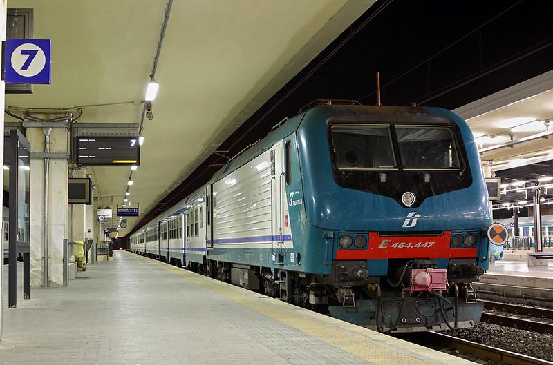 E464-447 Pisa Centrale 23/9/2013<br /> R11871 2226 La Spezia Centrale-Pisa Centrale