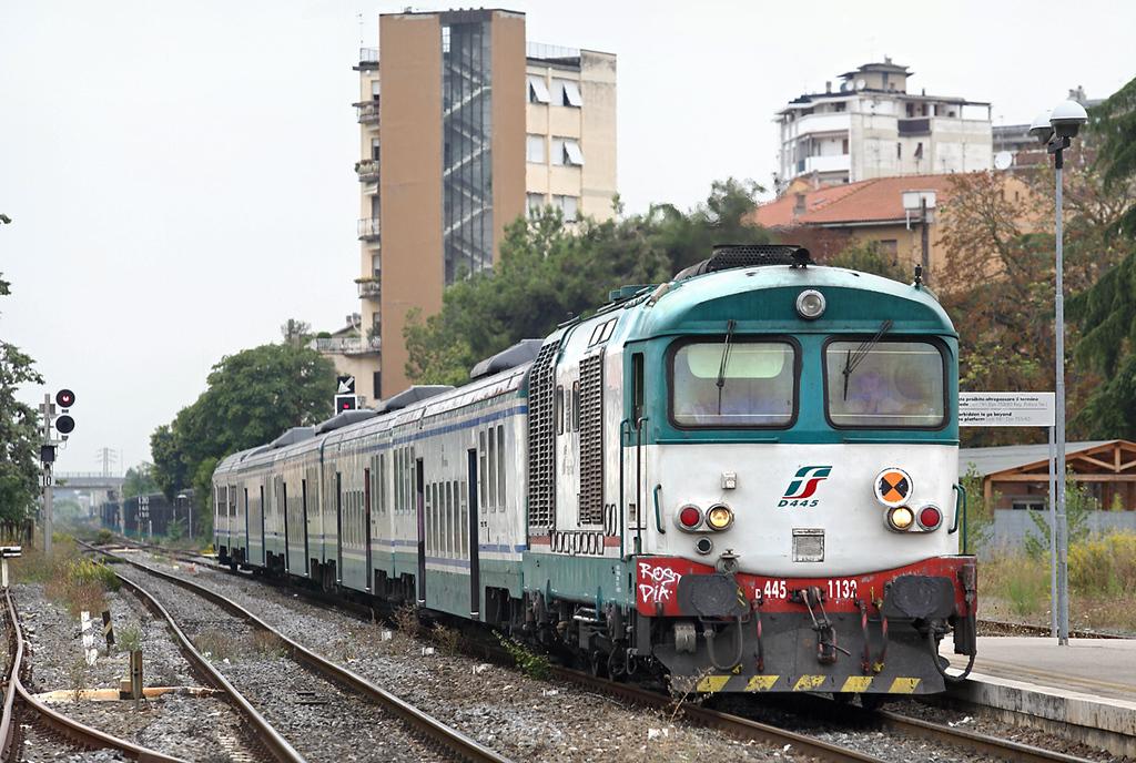 D445-1132 Poggibonsi 27/9/2013<br /> R11759 1010 Firenze SMN-Siena