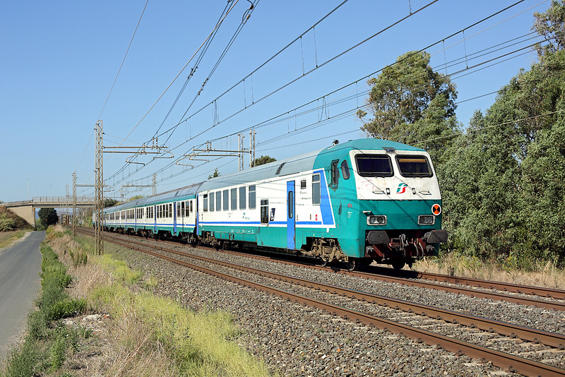 E464-653 (on rear), La California 25/9/2013<br /> R11889 1412 Pisa Centrale-Piombino Marittima