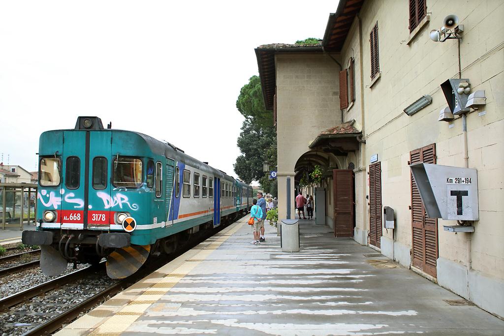 ALn668-3178 Certaldo 27/9/2013<br /> R23467 0908 Empoli-Siena