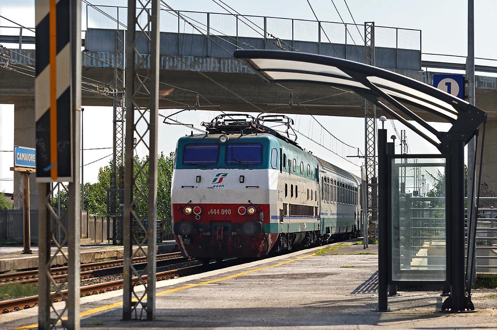 E444-090 Camaiore Lido Capezzano 26/9/2013<br /> IC510 0630 Salerno-Torino Porta Nuova