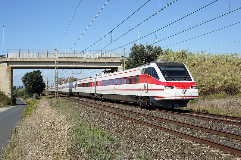 ETR460-27 La California 25/9/2013<br /> FB9773 1207 Genova Piazza Principe-Roma Termini