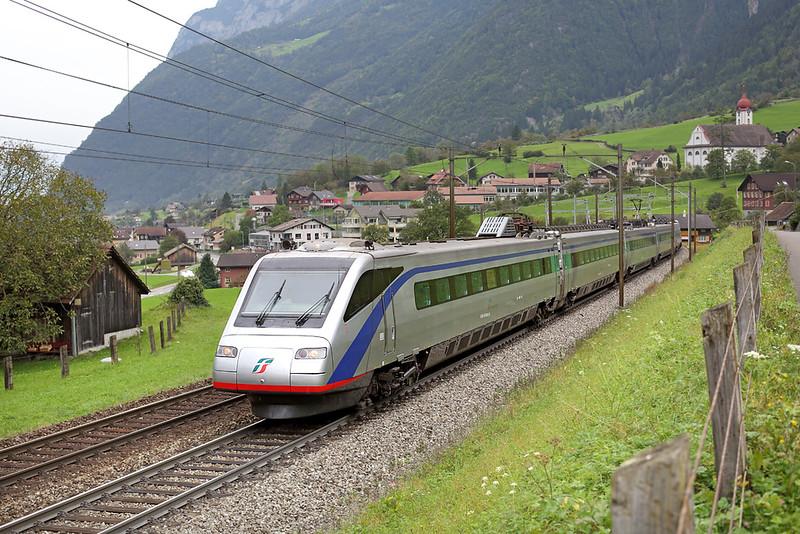 470003 Silenen 30/9/2014<br /> EC315 0932 Zürich HB-Milano Centrale
