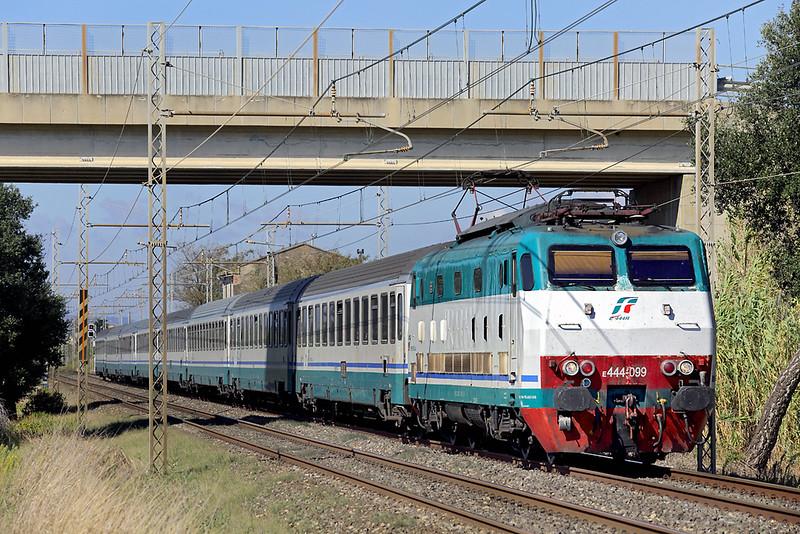 E444-099 La California 25/9/2013<br /> IC657 0810 Milano Centrale-Grosseto