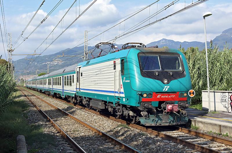 E464-477 Camaiore Lido Capezzano 26/9/2013<br /> R23385 1421 Pontremoli-Firenze SMN