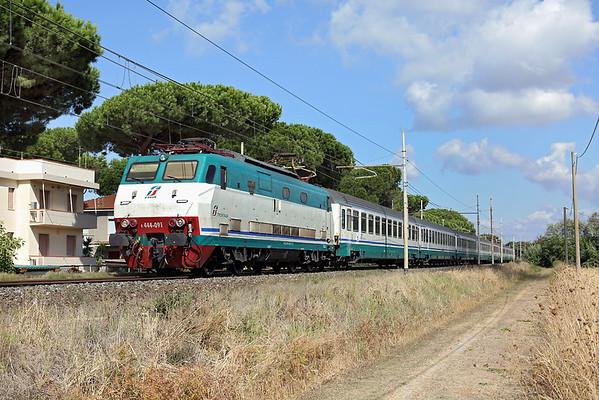 E444-091 San Vincenzo 25/9/2013 IC505 0633 Ventimiglia-Roma Termini