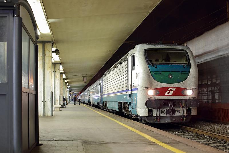 E402-129 Pisa Centrale 26/9/2013<br /> ICN799 2155 Torino Porta Nuova-Salerno
