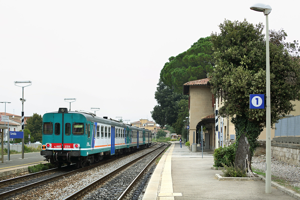 ALn668-3184 Certaldo 27/9/2013<br /> R3032 0652 Orbetello-Firenze SMN
