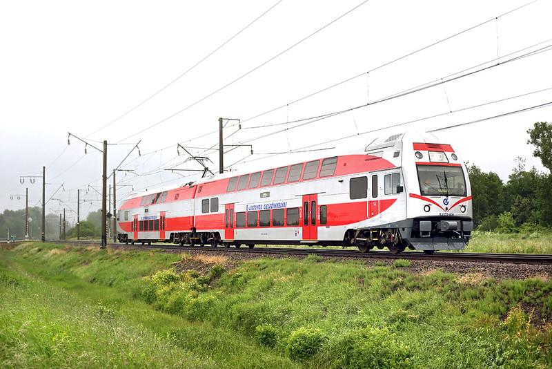 EJ575-008 Žasliai 1/6/2014<br /> EJ880 1720 Kaunas-Naujoji Vilnia