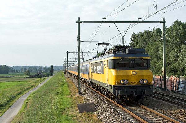 1764 Arnhem Zuid 4/6/2007 3671 1928 Arnhem-Roosendaal