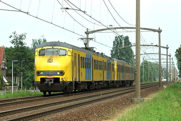 892 and 842, Helmond 't Hout 5/6/2007 5258 1553 Deurne-Tilburg West