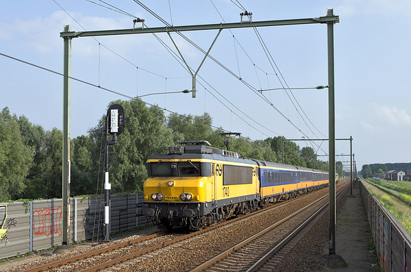 1740 Arnhem Zuid 4/6/2007 3664 1721 Roosendaal-Arnhem