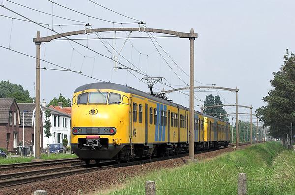 832 and 880, Helmond 't Hout 5/6/2007 5251 1505 Tilburg West-Deurne