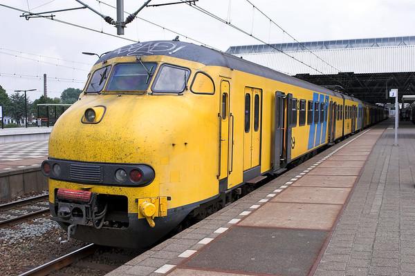 901 and 890, Breda 5/6/2007 13650 1424 Breda-Utrecht Centraal