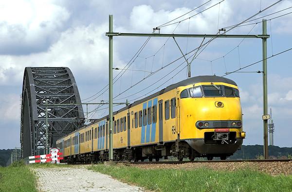 517 Arnhem Spoorbrug 4/6/2007 3757 1450 Zwolle-Nijmegen