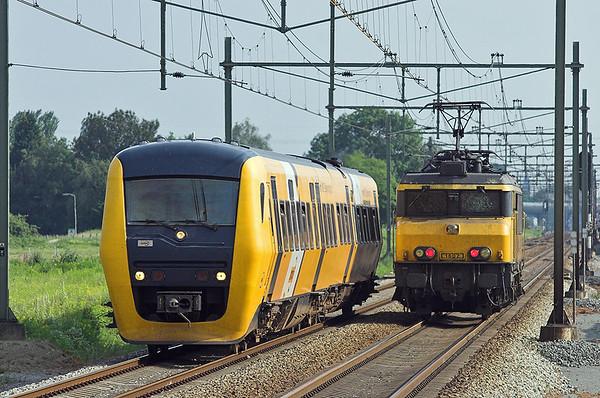 58 and 1602, Elst 4/6/2007 31157 1718 Tiel-Arnhem