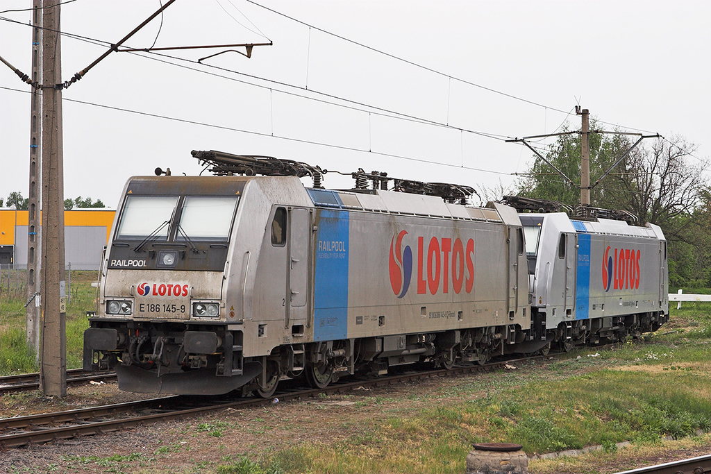 Lotos 186145 and 186145, Rzepin 12/5/2011