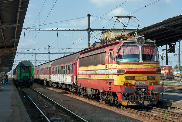 240043 Nové Zámky 15/9/2009 OS4205 1045 Bratislava Hl.St-Nové Zámky