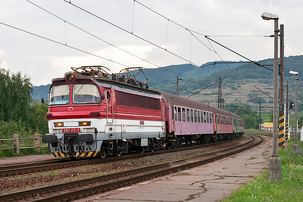 240113 Bratislava Vinohrady 15/9/2009 OS4217 1641 Bratislava Hl.St-Nové Zámky