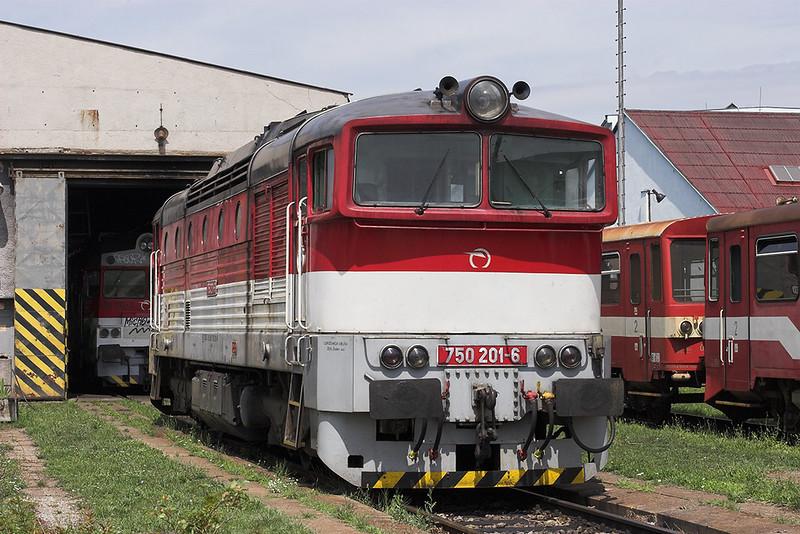 750201 Nové Zámky 28/6/2012