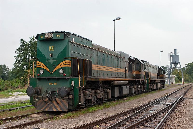 664-102 and 664-111, Pragersko 16/9/2010