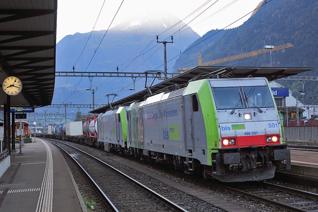 486501 and 486509, Erstfeld 2/10/2014