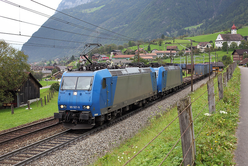185527 and 185525, Silenen 30/9/2014