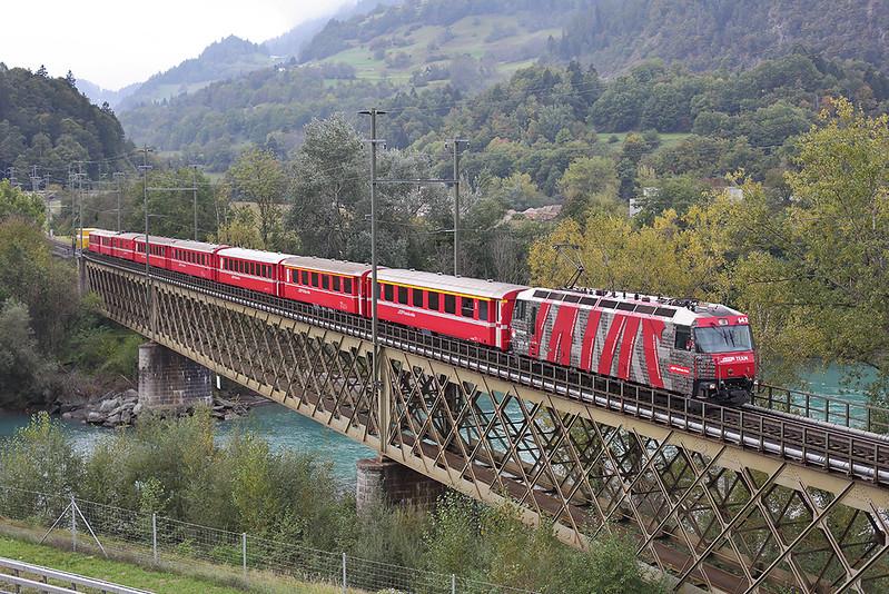 642 Reichenau-Tamins 1/10/2014<br /> RE1144 1302 St Moritz-Chur