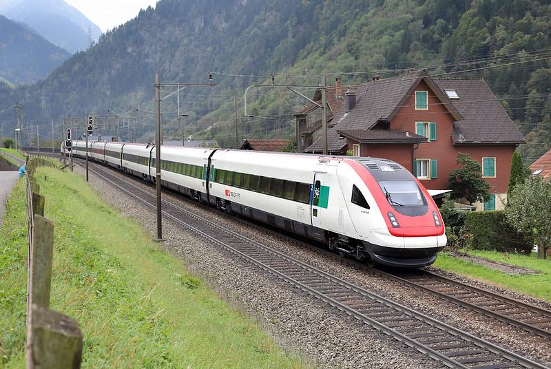 500036 Silenen 30/9/2014<br /> ICN670 0912 Lugano-Basel SBB