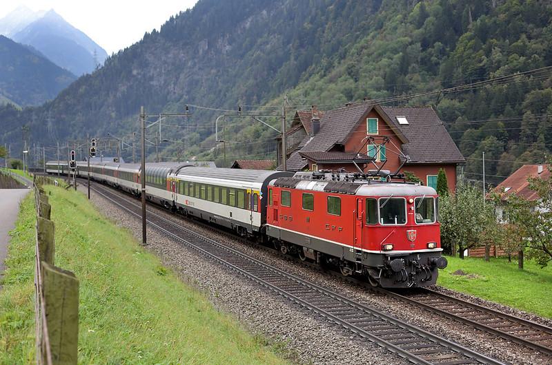 11111 Silenen 30/9/2014<br /> IR2170 0711 Chiasso-Basel SBB