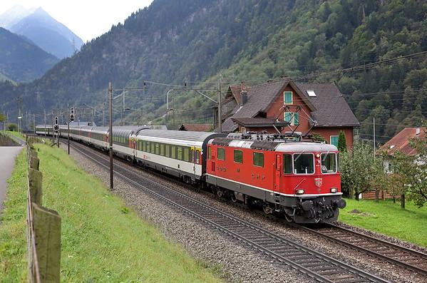11111 Silenen 30/9/2014 IR2170 0711 Chiasso-Basel SBB