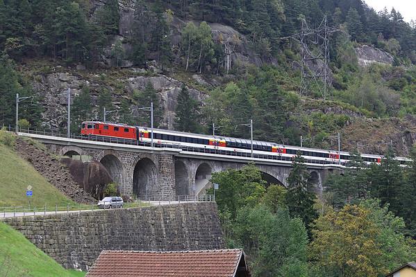 11139 Wassen 30/9/2014 IR2272 1047 Locarno-Zürich HB