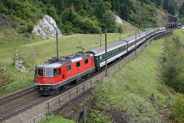 11157 Wassen 30/9/2014 IR2271 1209 Zürich HB-Locarno