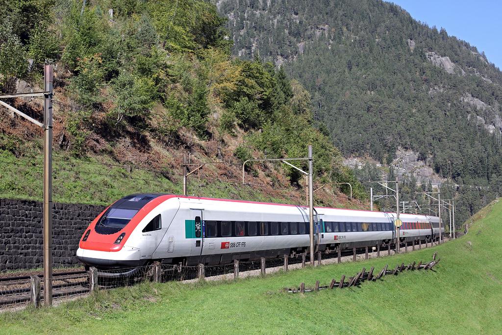 500042 Wassen 2/10/2014<br /> ICN671 1104 Basel SBB-Lugano
