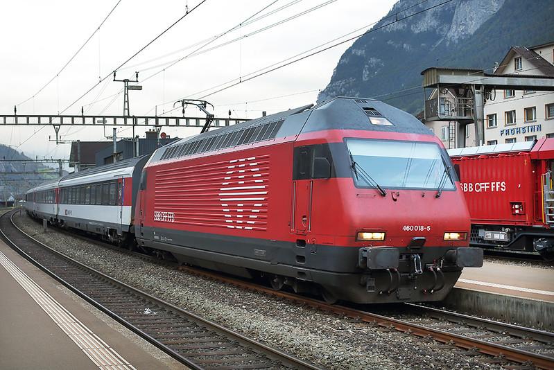 460018 Erstfeld 3/10/2014<br /> IR2159 0709 Zürich HB-Locarno