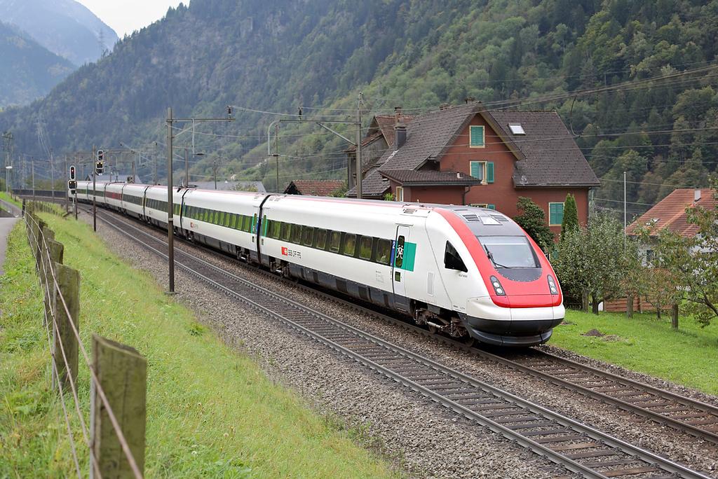 500018 Silenen 30/9/2014<br /> ICN870 0745 Chiasso-Zürich HB