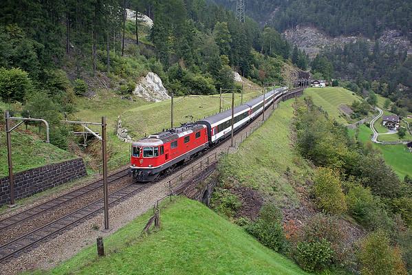 11111 Wassen 30/9/2014 IR2169 1004 Basel SBB-Locarno