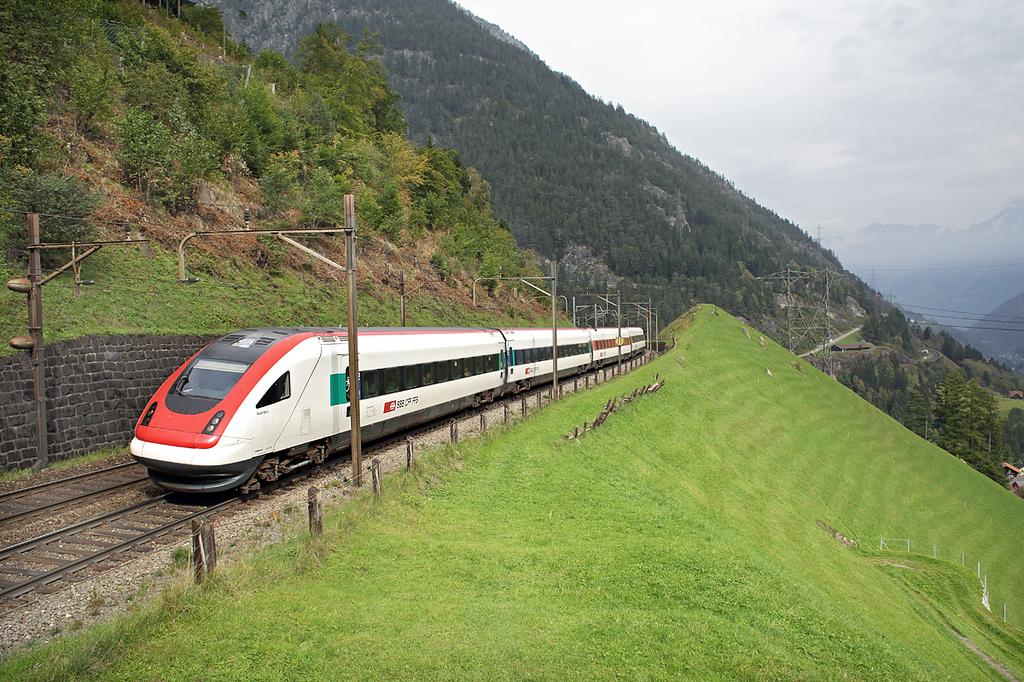 500018 Wassen 30/9/2014<br /> ICN869 1109 Zürich HB-Lugano
