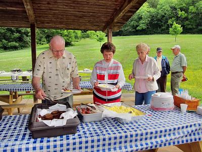 07 May 2010 Breakfast in Park