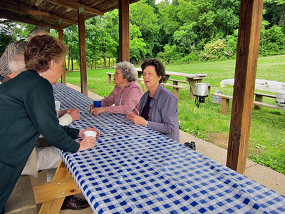 12 May 2010 Breakfast in Park