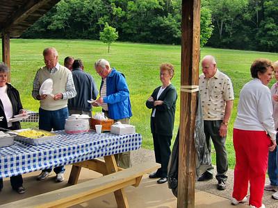 06 May 2010 Breakfast in Park