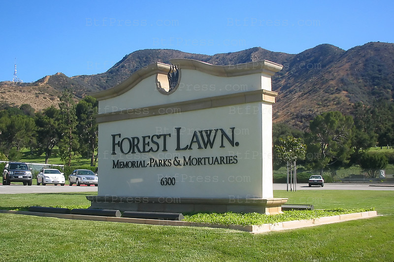 Forest Lawn Memorial Parks Cemetery.(Photo by Michel Boutefeu)