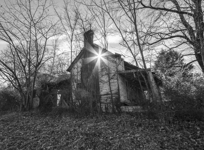 Abandoned farmhouse in north Alabama. Limestone County
