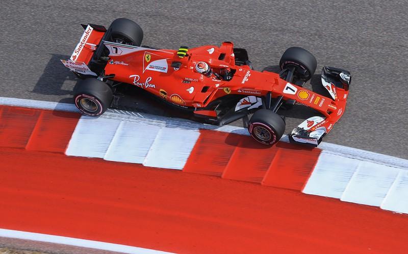 Kimi Raikkonen in turn 16.