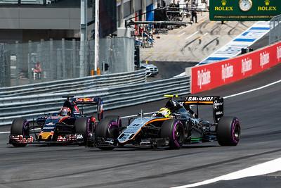 26 Daniil Kvyat, Toro Rosso ,  11 Sergio Perez, Force India, Austria, 2016